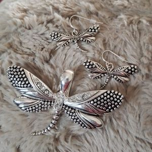 Jewelry - Dragon Fly Pendant and earrings set
